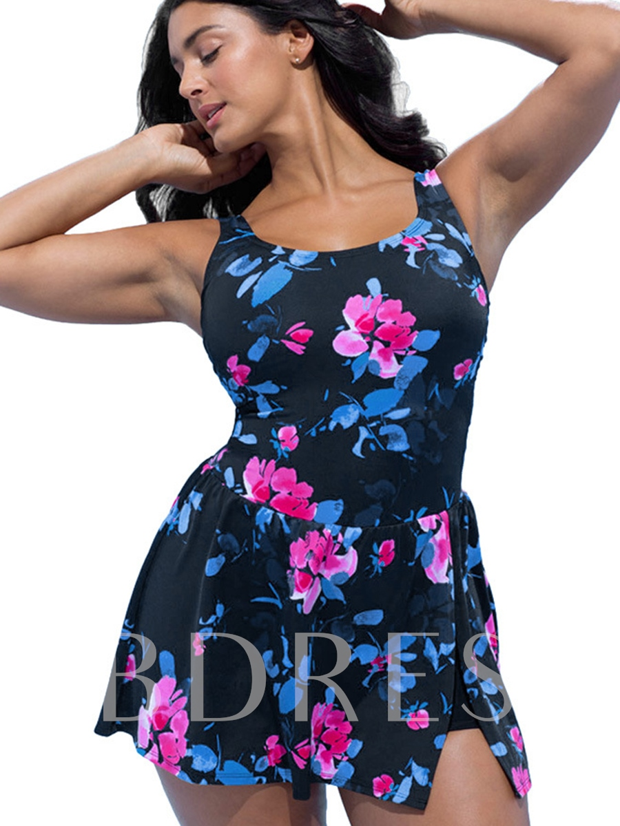 U-Neck Floral Pleated Plus Size Beach Dress