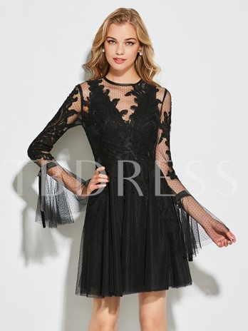 Long Sleeves Button Sheath Appliques Scoop Short Cocktail Dress