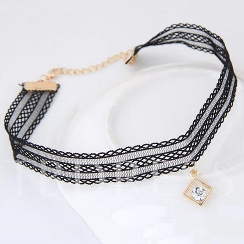 Hollow Out Lace Rhinestone Square Alloy Torques Choker Necklace