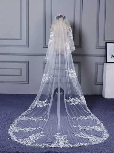 Appliques Wedding Veil with Train