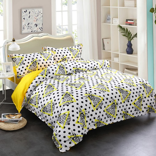 Pineapples Yellow Triangles and Black Spot 4-Piece Cotton Bedding Sets