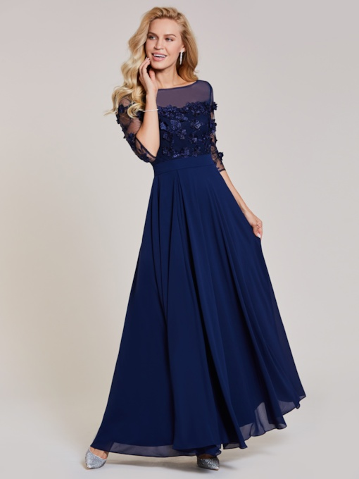 Bateau Neck Appliques Split-Front A Line Evening Dress