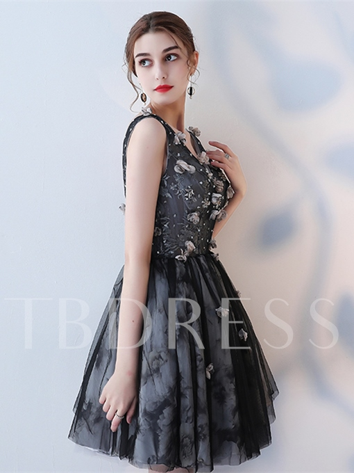 A-Line V-Neck Appliques Flowers Cap Sleeves Homecoming Dress