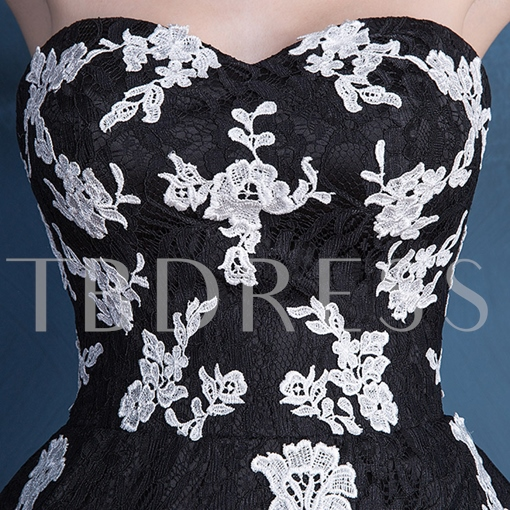 Sweetheart A-Line Appliques Lace Short Homecoming Dress