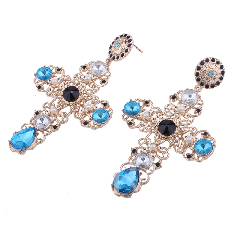 Vintage Hollow Floral Pearl Zircon Inlaid Earrings