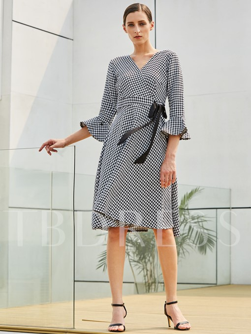 Bell Sleeve Lace up Plaid Women's Day Dress