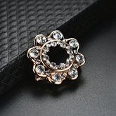 Rhinestone Flower Alloy Overgild Elegant Women's Brooches