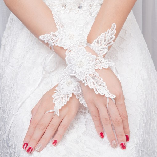 Lace Short Fingerless Wedding Gloves