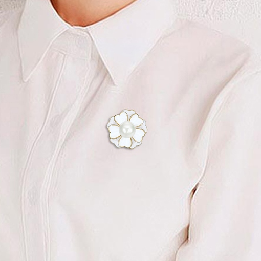 White Pearl Inlaid Flower Alloy Women's Brooches