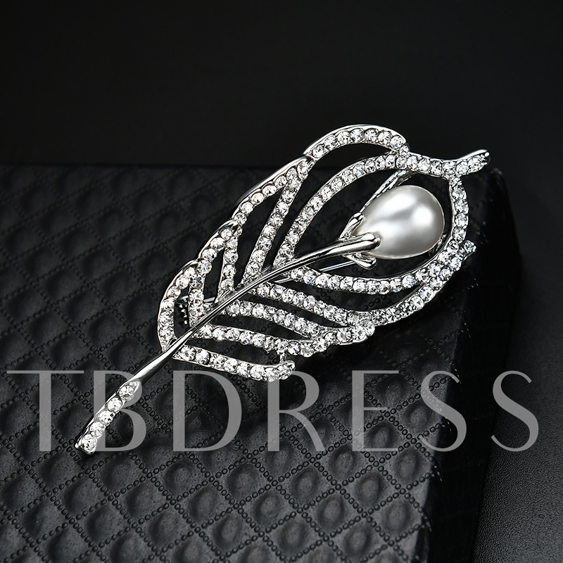 Hollow Out Pearl Inlaid Alloy Leaf Women's Brooches
