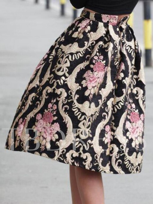 Retro Winter Floral Embroidery Pleated Women's Skirt