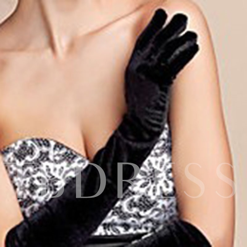 Pleuche Solid Color Soft Microprojectile Gloves