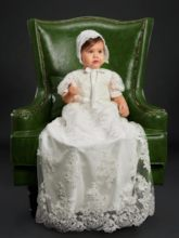 Short Sleeve Pearls Lace Bonnet Christening Gown for Girls