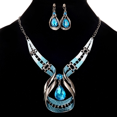 European Exaggerated Gemmed Charming Jewelry Sets European Exaggerated Gemmed Charming Jewelry Sets