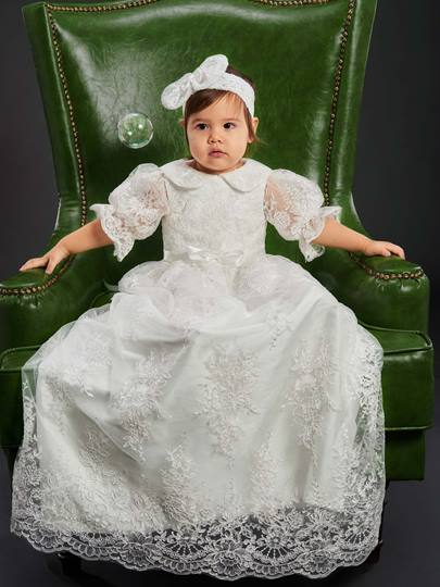 Lovely Lace Applique Christening Gown for Girls with Headpiece