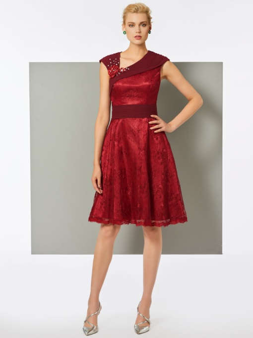 Lace Sheath V-Neck Knee-Length Cocktail Dress