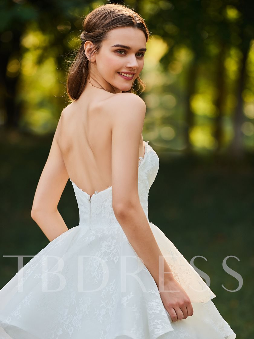 Sweetheart Tiered Lace Ball Gown Wedding Dress