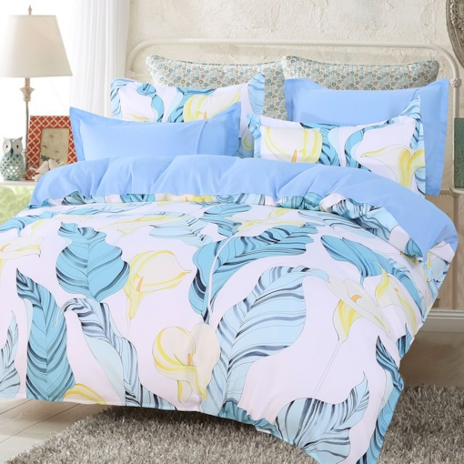 Light Blue Palm Leaves and Yellow Calla Lily Pattern 4-Piece Polyester Bedding Sets