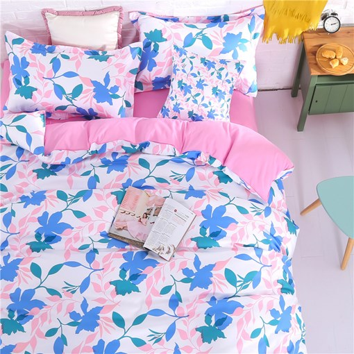 Floral Pastoral Four-Piece Bedding Set