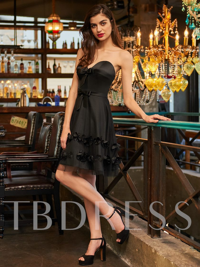 Appliques Bowknot A-Line Sweetheart Cocktail Dress