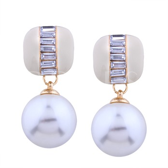 Artificial Pearl Overgild Rhinestone Earrings