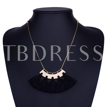 Arc Shaped Tassel Clavicle Chain Necklace