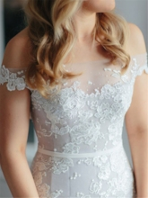 Off-The-Shoulder Appliques Button Mermaid Wedding Dress