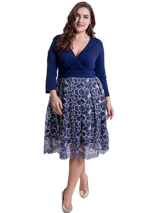 V Neck Plus Size Tiered Women's Day Dress