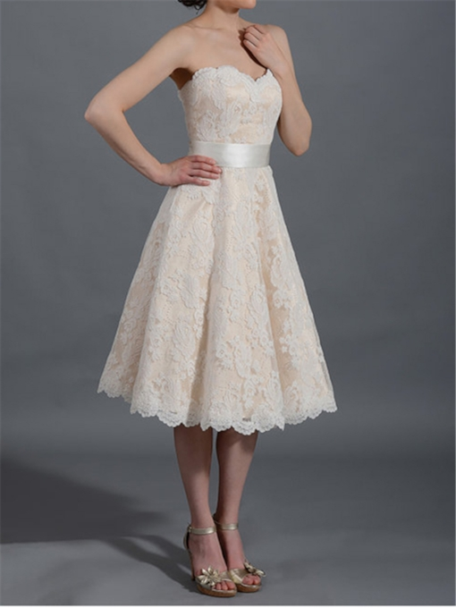 Sweetheart Tea-Length Lace Beach Wedding Dress