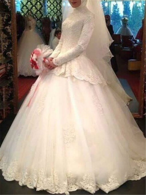 Long Sleeve Lace Muslim Wedding Dress with Hijab