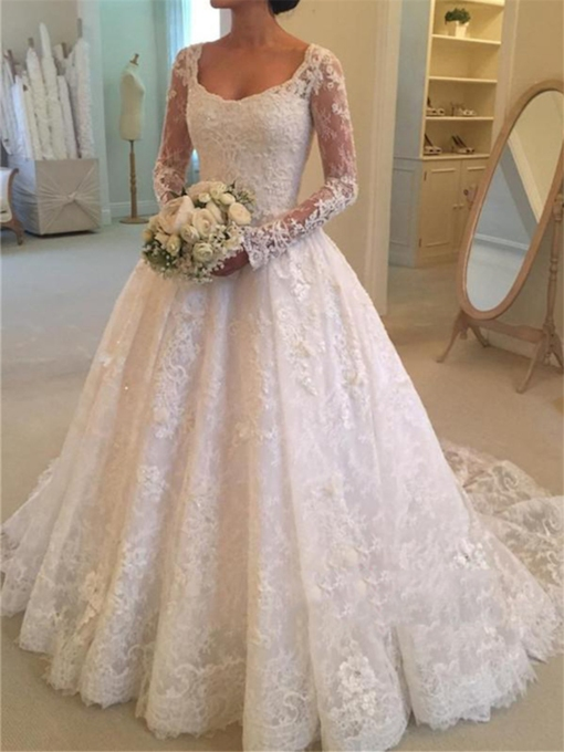 Button Appliques Lace Wedding Dress with Long Sleeves