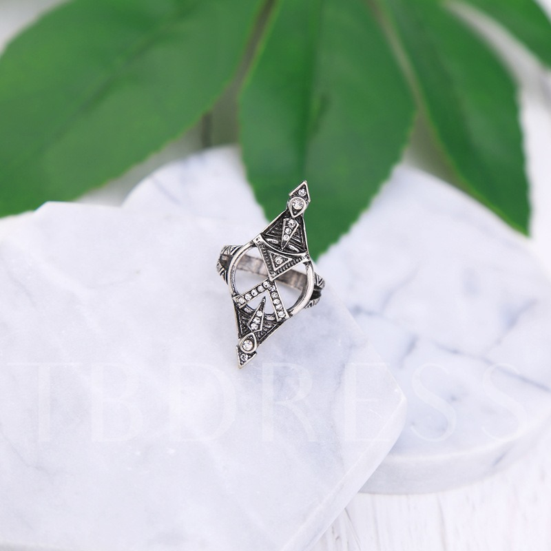 Alloy Hollow Out Retro Diamante Ring