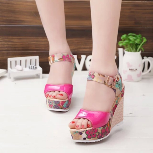 Printing Floral Buckle Wedge Heel Sandals for Women