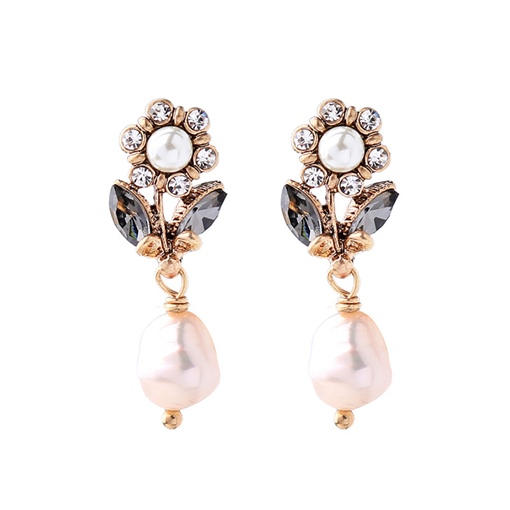 Retro Imitation Pearl Flower Earrings
