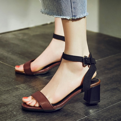 Line Buckle Chunky Heel Classic Sandals for Women