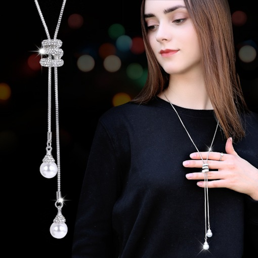 Pearl Decorated E-Plating Pendant Necklace