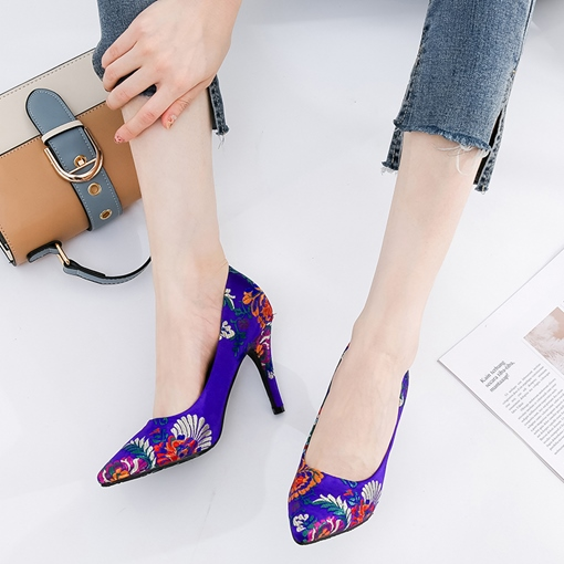 Embroidery Floral Pointed Toe Pumps for Women