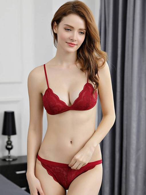 Embroidery Non-Convertible Straps Low-Waist Bra Set