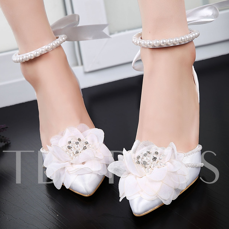 Silk Fabric Lace-Up Pointed Toe Appliques Customized Wedding Shoes