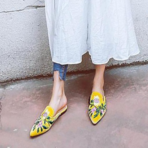Suede Floral Embroidery Closed Toe Slip-On Women's Pointed Toe Mules