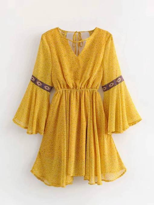Bell Sleeve Lace-Up Travel Look Day Dress