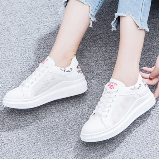 Floral Embroidery Patchwork Chic Women's Sneaker