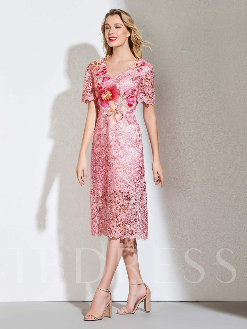 Sheath V-Neck Lace Embroidery Cocktail Dress
