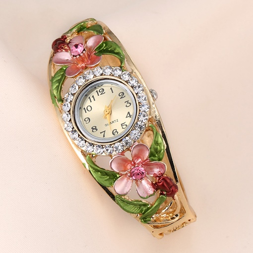 Round Flower Carved Bracelet Watches