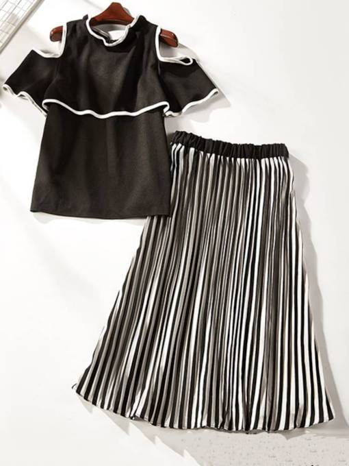 Color Block Off Shoulder Tee and Pleated Skirt Women's Two Piece Set