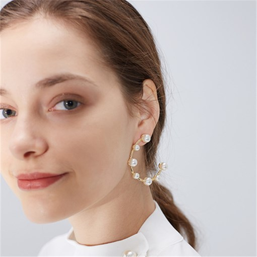 New C Shape Pearl Earrings