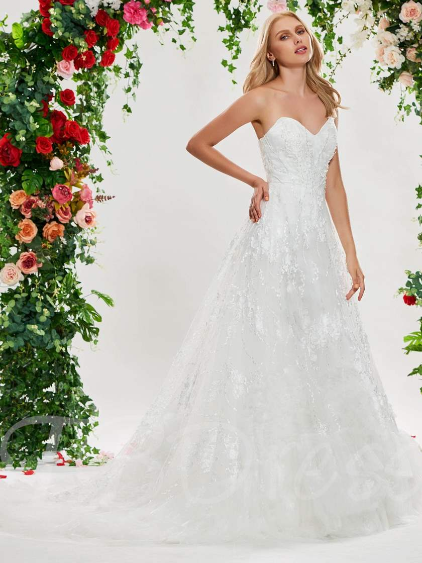 Sweetheart Appliques Lace-Up Wedding Dress
