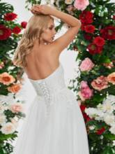 Strapless Appliques Lace-Up Wedding Dress