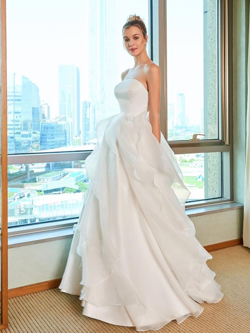 Strapless A-Line Ruffles Wedding Dress
