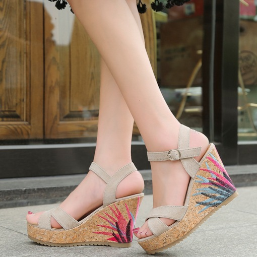Embroidery Platform Graceful Buckle Suede Women's Sandals